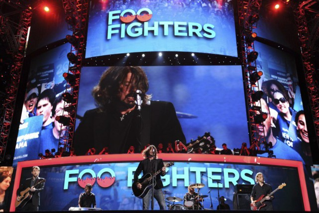 Les Foo Fighters en spectacle au Time Warner... (Photo: archives AFP)