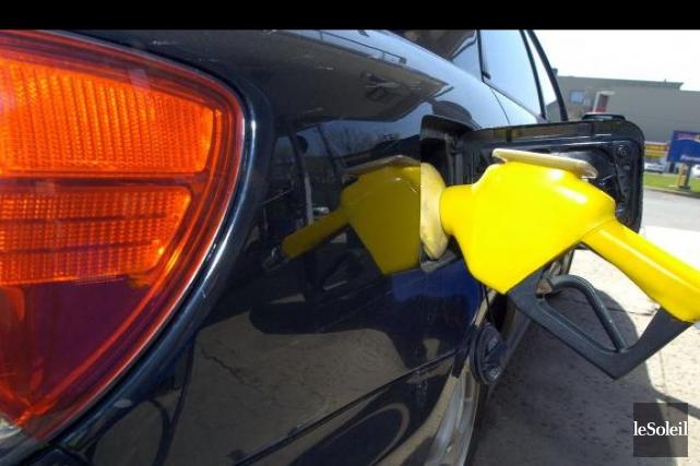 La dégringolade récente des prix du pétrole brut sur les marchés internationaux... (Photothèque Le Soleil)