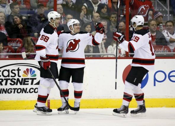 Les Devils signaient un deuxième gain d'affilée après... (Photo Alex Brandon, AP)