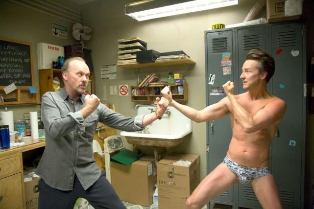 Michael Keaton et Edward Norton dans Birdman.... (PHOTO FOURNIE PAR MÉTROPOLE FILMS)
