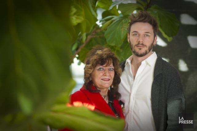 Samuel Theis et sa mère, Angélique Litzenburger, une... (Photo André Pichette, La Presse)