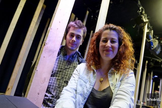 Jean-Denis Beaudoin et Édith Patenaude dans le décor... (Le Soleil, Erick Labbé)