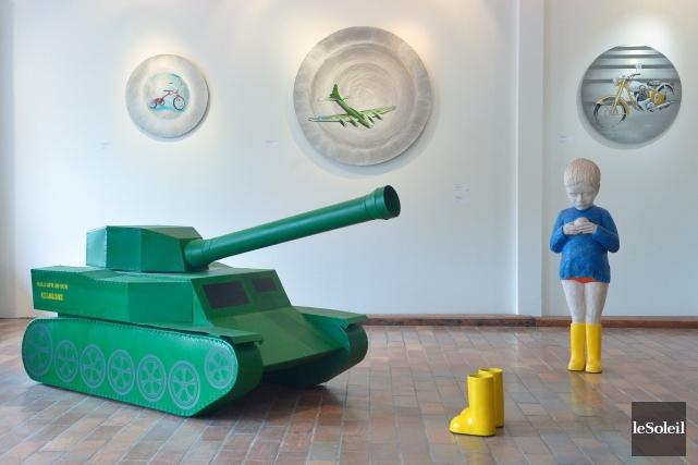 L'exposition de Julien Lebargy à la galerie L'Art'chipel... (Le Soleil, Jean-Marie Villeneuve)