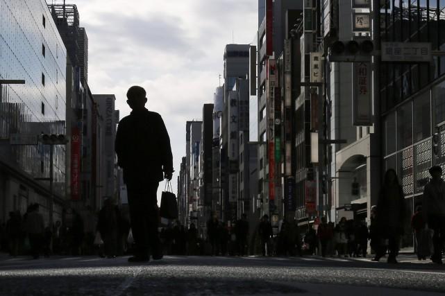 Le Japon est retombé en récession au troisième trimestre, une débâcle surprise... (Photo YUYA SHINO, Reuters)