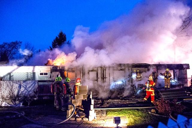 Les pompiers sont intervenus vers 5h40, au 1471,... (Collaboration spéciale Steve Jolicoeur)