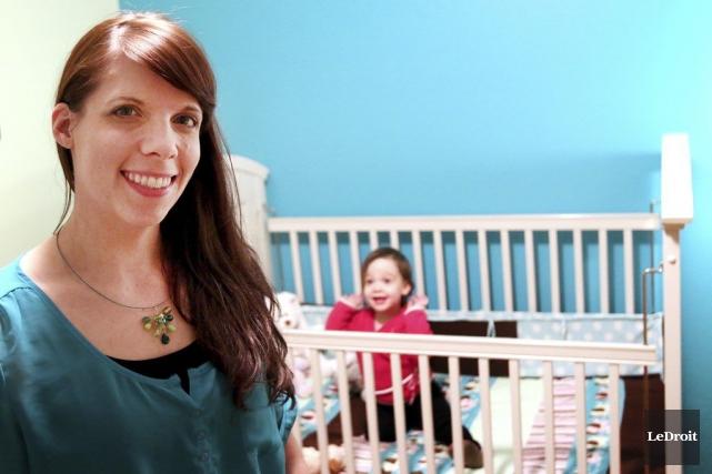 Amélie Bisson, mère de Dalia, aimerait avoir un... (Patrick Woodbury, LeDroit)