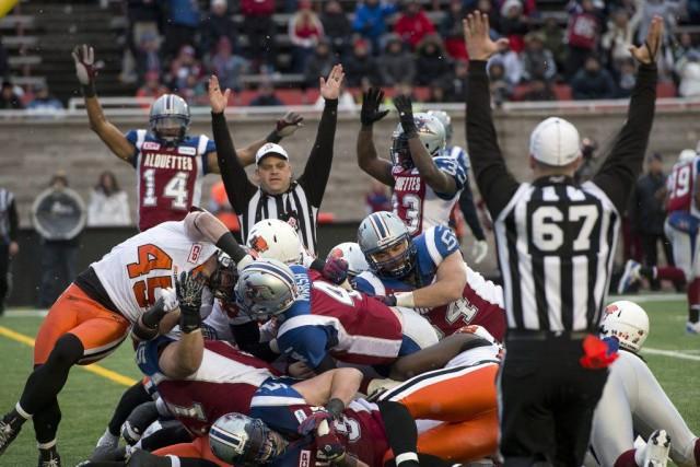 Les Alouettes ont complètement déclassé les Lions, l'emportant... (La Presse Canadienne)