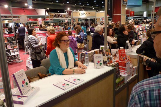 L'auteure Nathalie Ferraris au Salon du livre de... (Photo: tirée de Facebook)