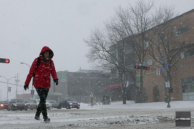 La première neige qui est tombée sur l'Estrie au cours des dernières heures a... (Archives La Tribune, René Marquis)