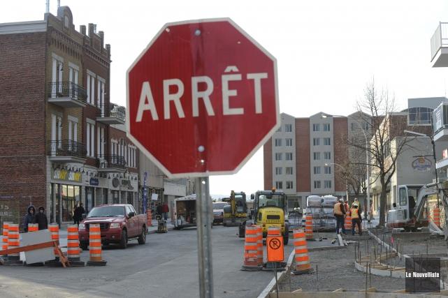 Les travaux sur la 5e Rue étaient concentrés... (Photo: Sylvain Mayer, Le Nouvelliste)