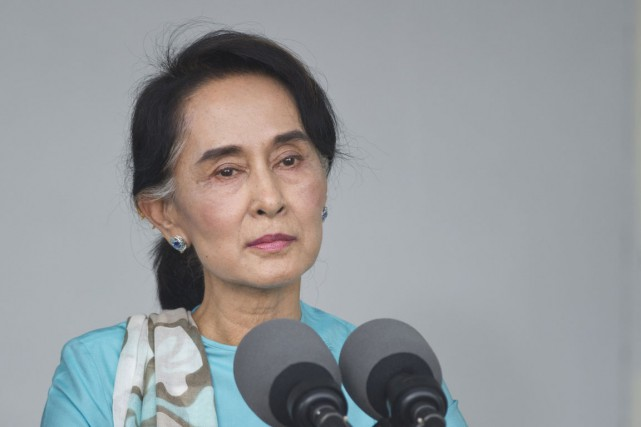 Suu Kyi, 69 ans, mène une campagne depuis... (PHOTO: AFP)