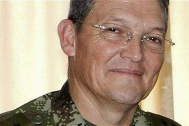 Le général Ruben Alzate, le plus haut gradé... (Photo REUTERS)