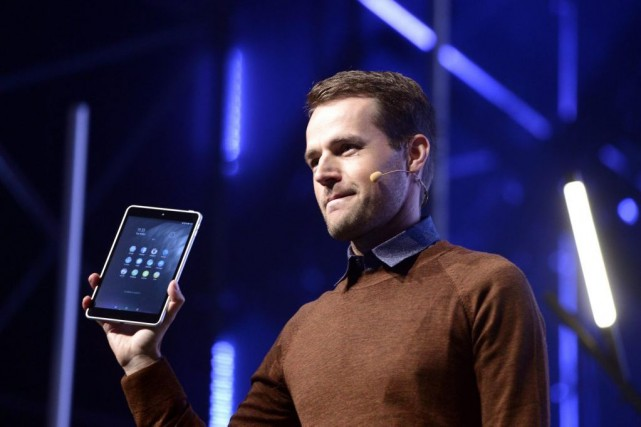Le directeur Produits de Nokia, Sebastian Nyström,a présenté... (Photo Heikki Saukkomaa/Lehtikuva, REUTERS)