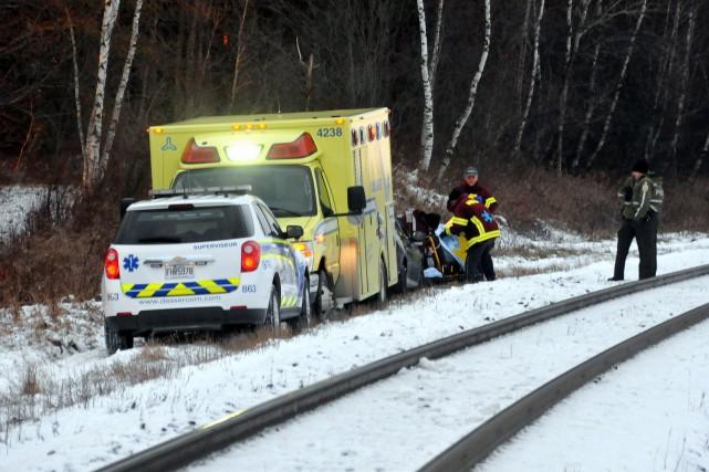 Les policiers de la SQ de Drummond ont découvert le corps d'un homme gisant... (Photo collaboration spéciale Éric Beaupré)