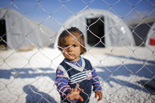 Un jeune garçon dan sun camp de réfugiés... (PHOTO OSMAN ORSAL, ARCHIVES REUTERS)