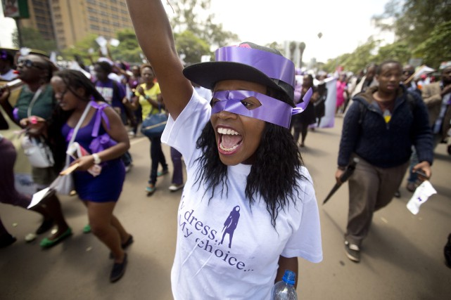 Une manifestation contre les violences infligées aux femmes.... (Photo Ben Curtis, AP)