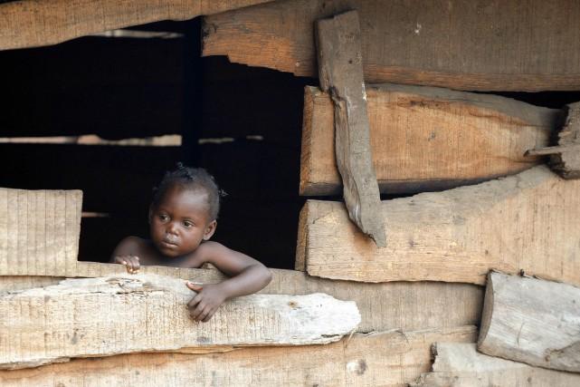 Près d'un milliard de personnes n'ont toujours pas accès à des toilettes et... (Photo PIUS UTOMI EKPEI, Archives AFP)