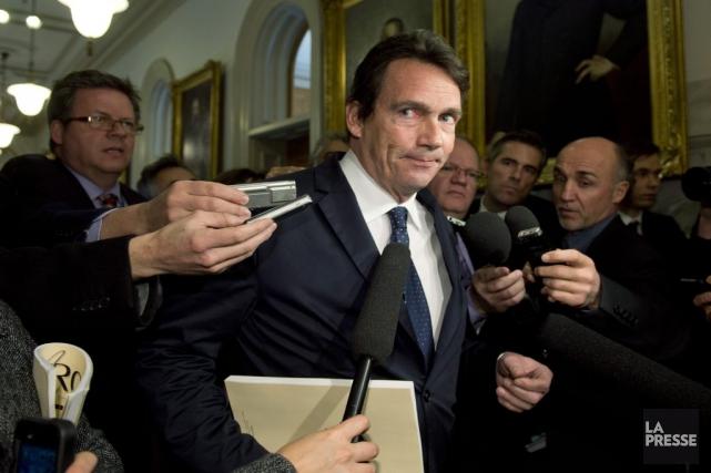 Pierre-Karl Péladeaumardi, à la sortie du caucus péquiste.... (PHOTO JACQUES BOISSINOT, LA PRESSE CANADIENNE)