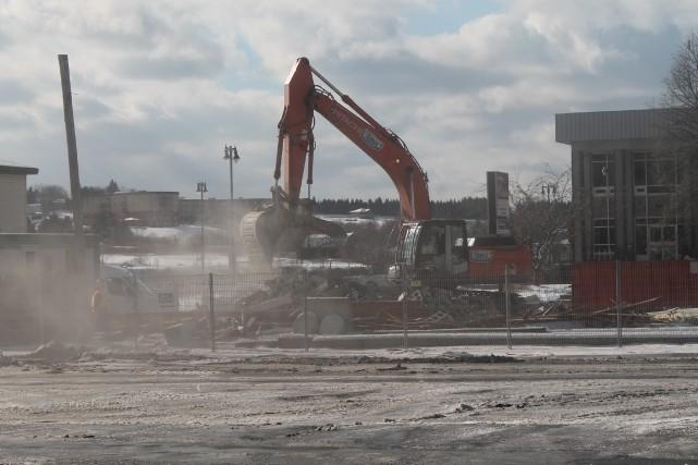 Les travaux de démolition qui ont fait tant couler d'encre au cours des... (Photo collaboration spéciale Gilles Thibodeau)