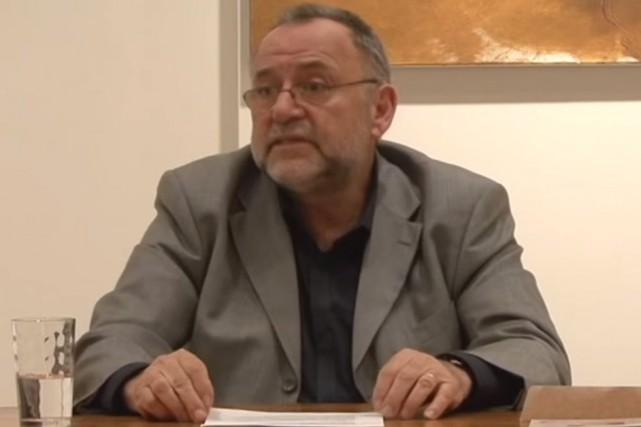 Hassan Jamali, auteur deCoran et déviation politique(Éditions Éditas)... (Image tirée de YouTube)