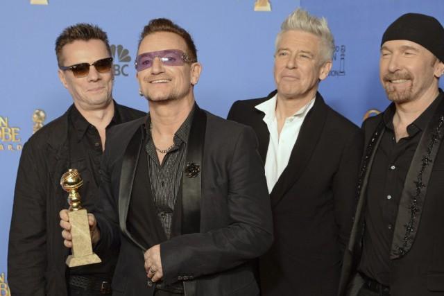 U2 avait été très critiqué après avoir imposé... (Photo: archives AFP)