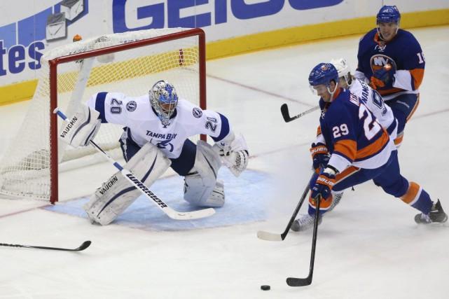Cal Clutterbuck, Mikhail Grabovski et Ryan Strome ont marqué au deuxième ving,... (Photo: Reuters)