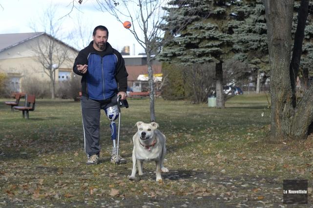 Malgré les épreuves, Donald Delisle et sa chienne... (Photo: Sylvain Mayer Le Nouvelliste)