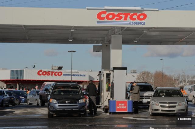 L'inauguration des pompes à essence chez Costco a... (Photo: François Gervais Le Nouvelliste)