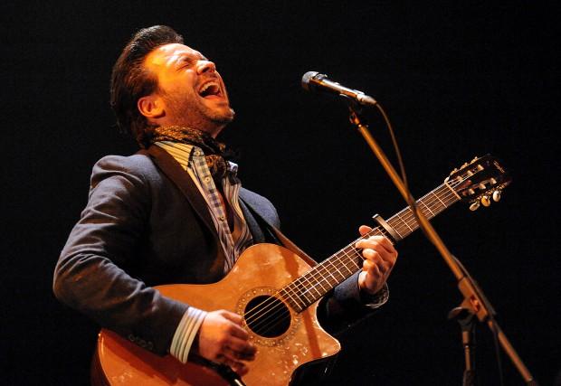 Adam Cohen viendra chanter l'amour dans toutes ses... (Archives La Nouvelle)
