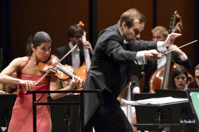 La violoniste américaine Jennifer Frautschi a joué la... (Le Soleil, Yan Doublet)