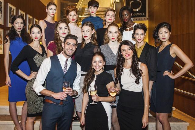 Avec son équipe et ses mannequins, Marie-Philip Simard... (Photo fournie par Chic Marie)