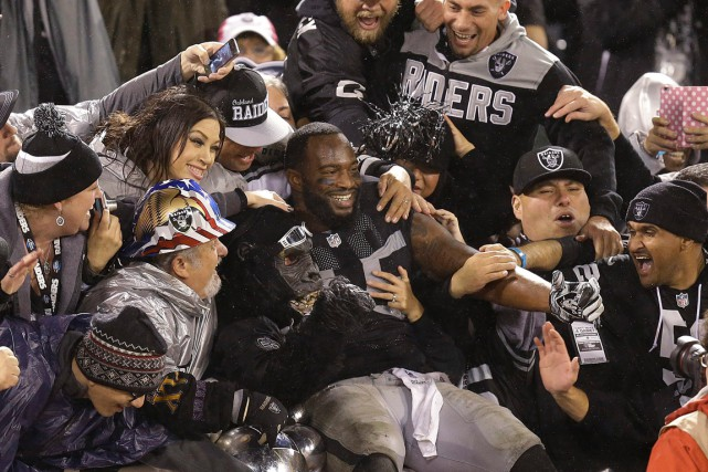 Le centre-arrière des Raiders d'Oakland Marcel Reece a... (Photo Ben Margot, AP)