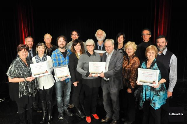 La grande famille des gagnants du gala Arts... (Photo: Émilie O'Connor Le Nouvelliste)