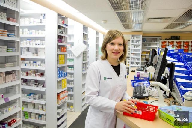 Émilie Hamelin, 30 ans, est pharmacienne communautaire pour... (PHOTO ALAIN ROBERGE, LA PRESSE)