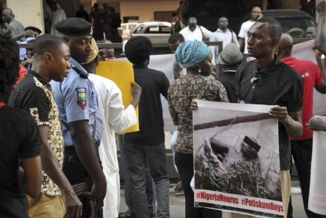 Un attentat-suicide avait tué 47 élèves dans une... (PHOTO AFP / STRINGER)