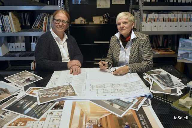 Les architectes Louise Amiot et Suzanne Bergeron... (Le Soleil, Pascal Ratthé)
