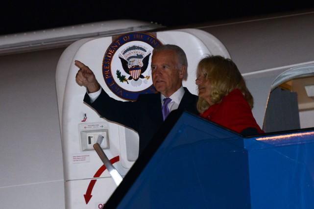 Joe Biden lors de son arrivée en Turquie... (Photo BULENT KILIC, AFP)