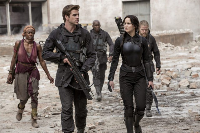 Liam Hemsworth et Jennifer Lawrence dans Hunger Games -... (Courtoisie)