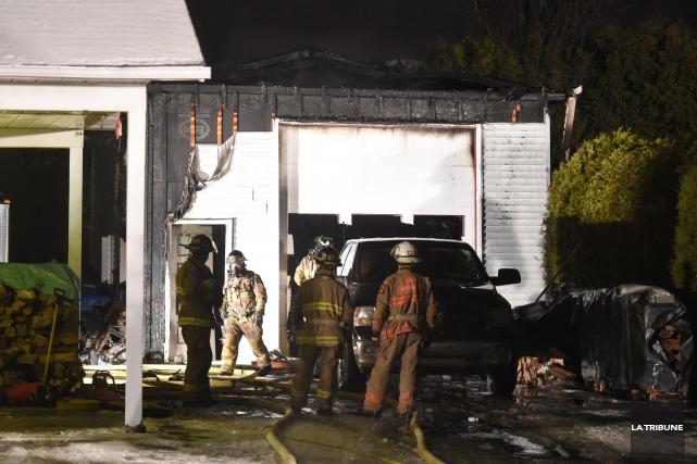 Un incendie a occasionné des dommages de près de 30 000 $ au garage d'une... (IMACOM, Maxime Picard)
