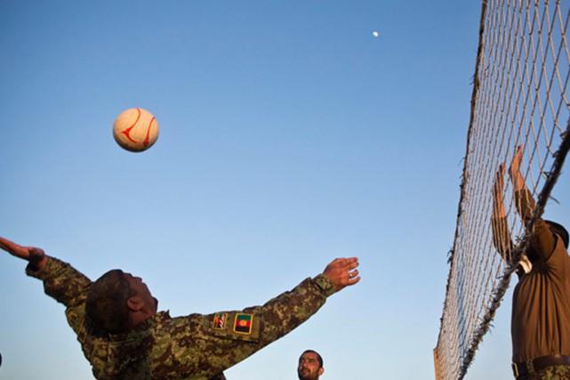 Un kamikaze s'est fait exploser en plein match... (Photo Andrew Burton, Reuters)