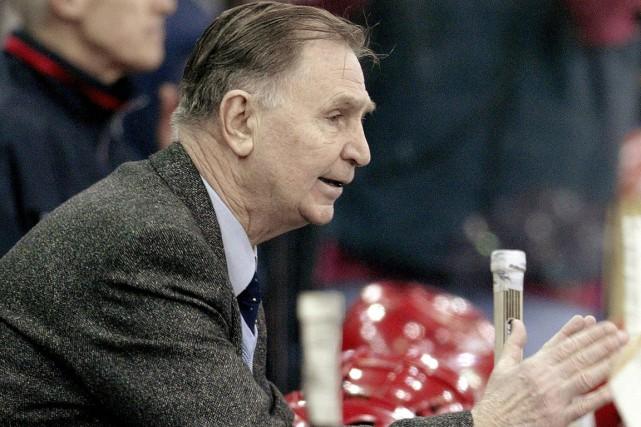 Connu pour son style autoritaire, l'entraîneur Viktor Tikhonov... (Photo Alexander Nemenov, archives AFP)