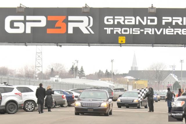 Robert «Bob» Gauthier a eu droit à son dernier tour de piste sur le circuit du... (Photo: Émilie O'Connor, Le Nouvelliste)