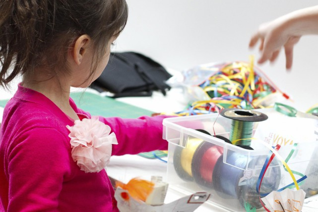 Les enfants peuvent s'adonner au bricolage au musée... (Photo fournie par le Musée McCord)