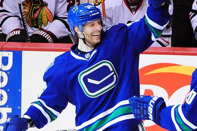 Jannik Hansen a réussi le premier tour du... (Photo Anne-Marie Sorvin, USA Today Sports)