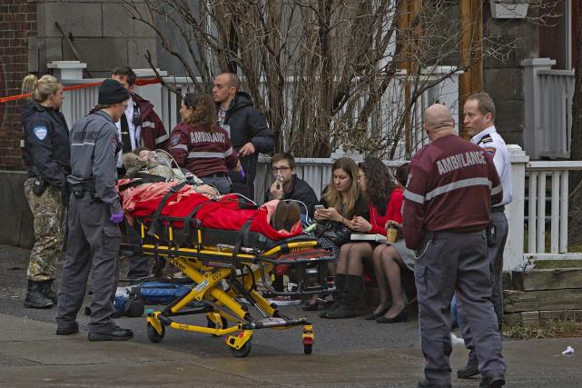 Une vingtaine de personnes ont été incommodées lundi après-midi par une fuite... (Photo Félix O.J. Fournier, Collaboration spéciale)