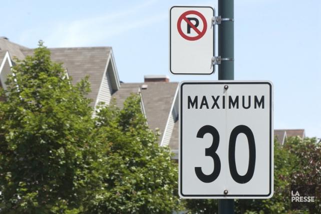 La vitesse maximale permise dans la quasi-totalité des rues d'Outremont passera... (Archives La Presse)