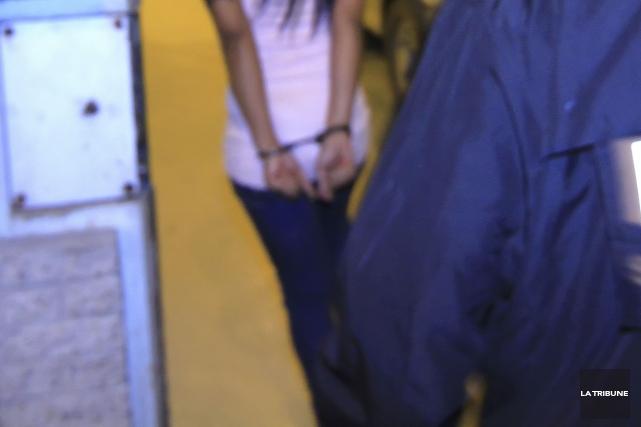 Une adolescente de 15 ans a reconnu hier avoir braqué des passants avec une... (Archives La Tribune)