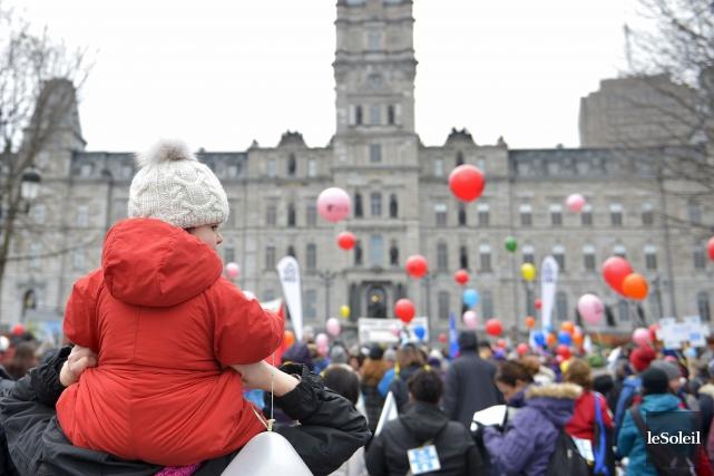 Des groupes qui viennent en aide aux femmes affirment que les politiques... (PHOTO YAN DOUBLET, ARCHIVES LE SOLEIL)