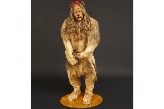 Le costume du lion poltron ayant servi durant le tournage du grand classique... (Photo: Reuters)