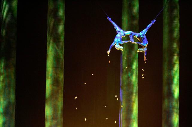 L'acrobate Sarah Guillot-Guyard (à gauche) avait fait une... (Photo archives AP)